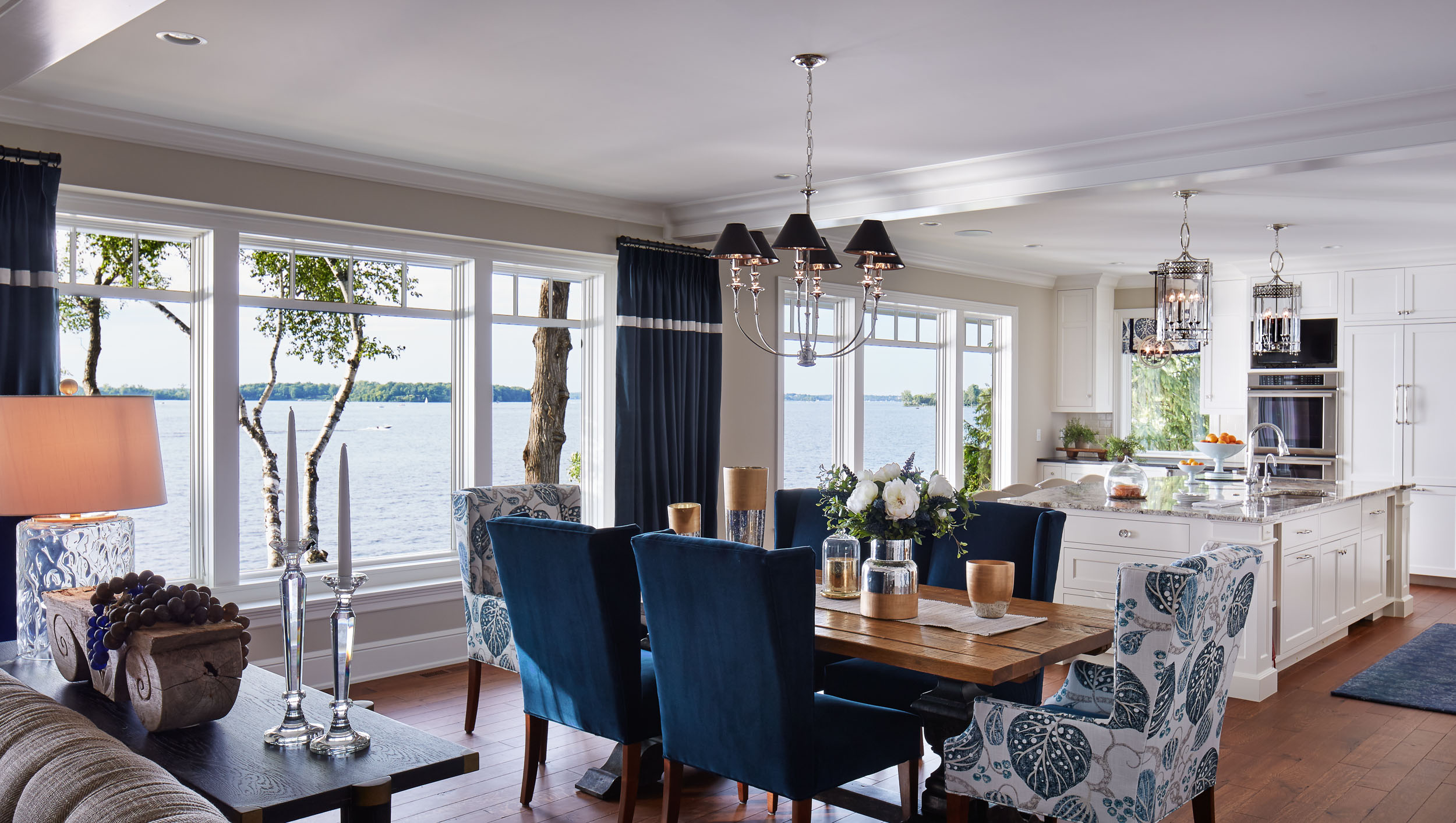 Lakeside Cottage Dining Room Image