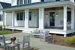 Modern Farmhouse Entry Porch Image