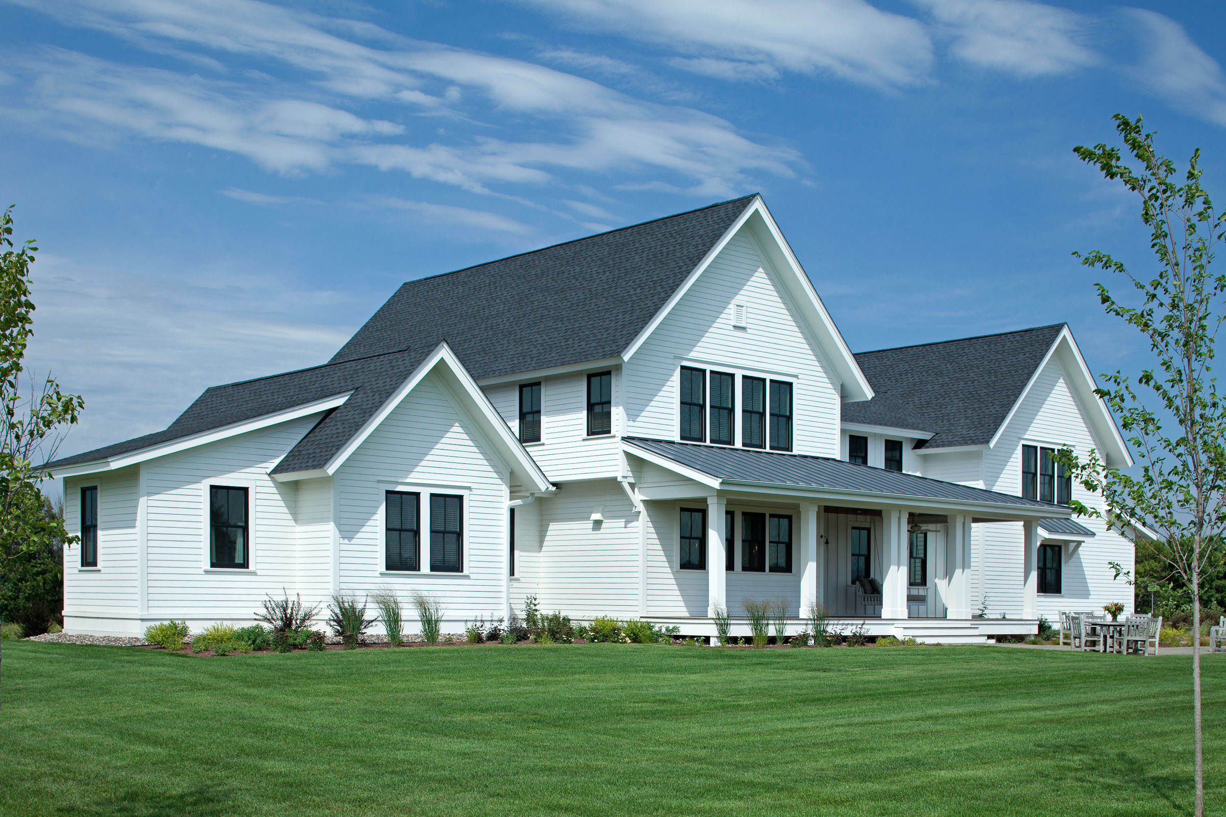 Modern Farmhouse Exterior Image