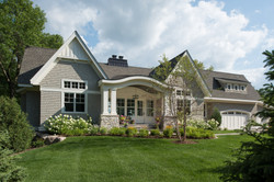 lake-cottage-front-exterior-image