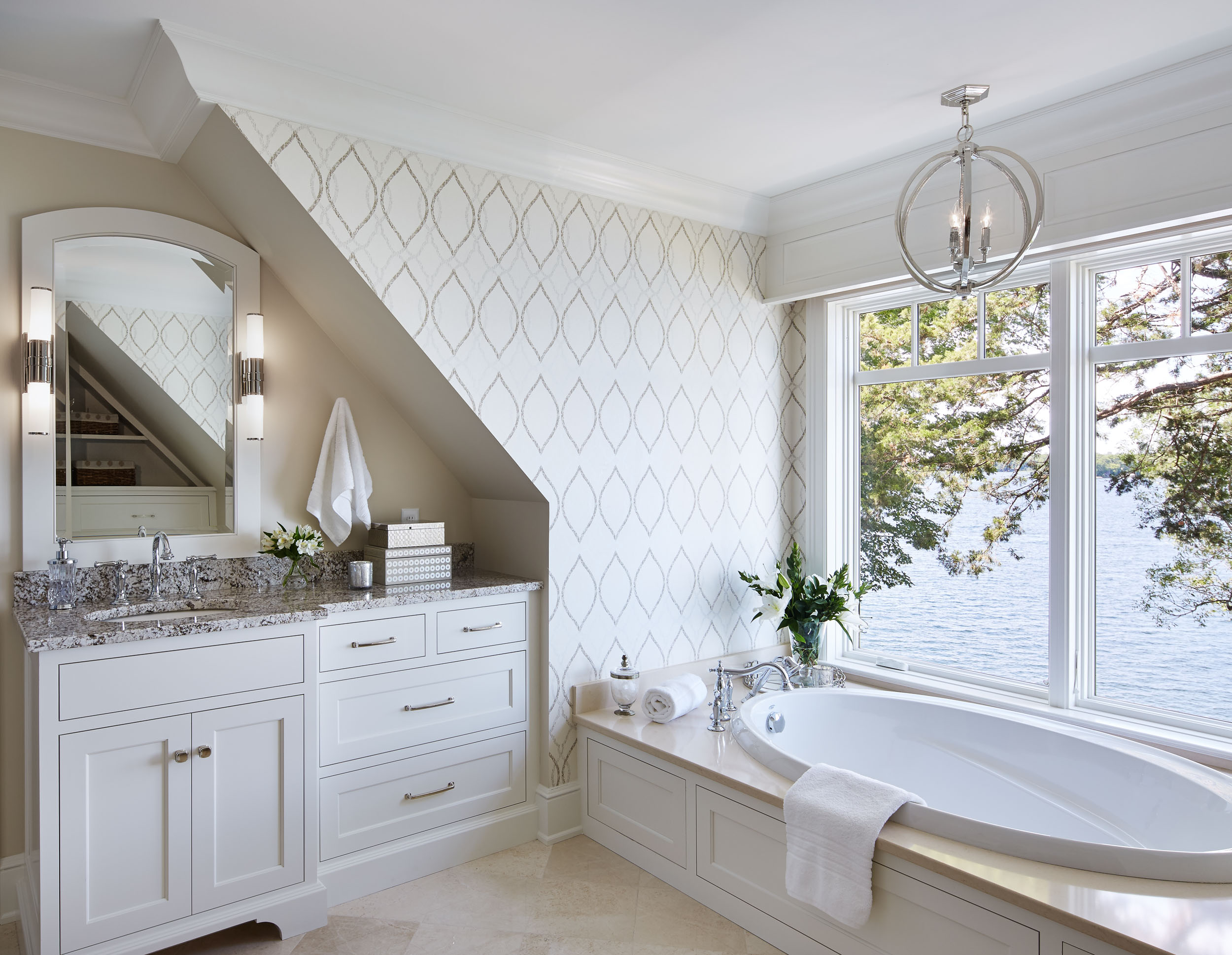 Lakeside Cottage Master Bath Image