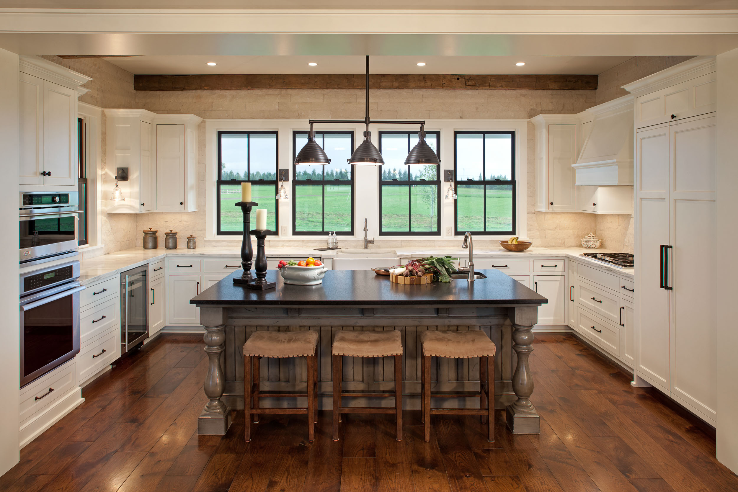 Modern Farmhouse Kitchen Image