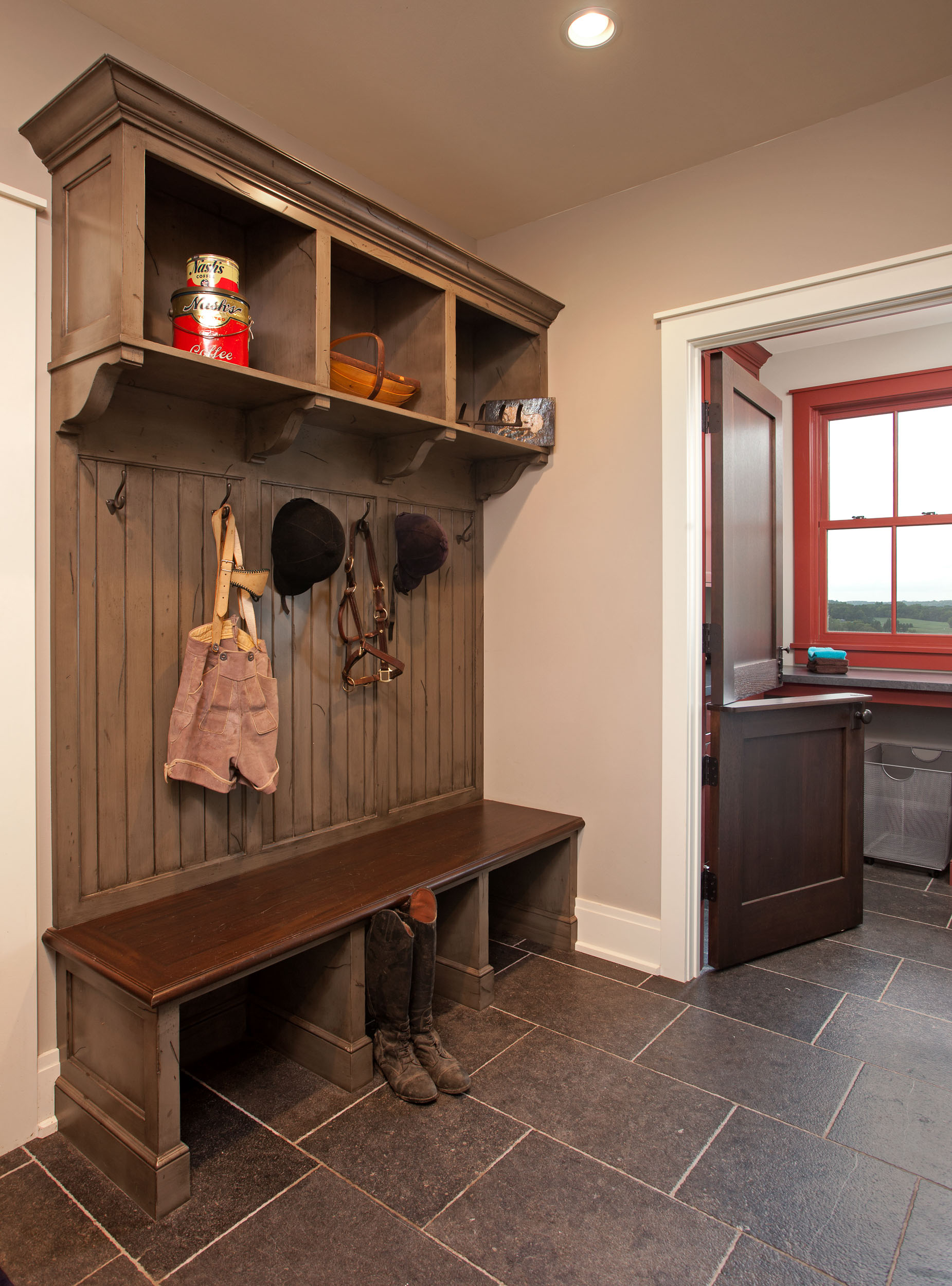 Modern Farmhouse Mudroom Image