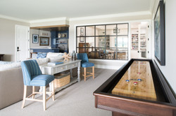 lake-cottage-family-room-image