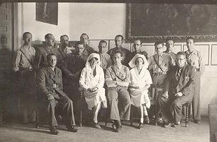 Médicos y enfermeras del hospital instalado en el monasterio de Uclés en la Guerra Civil Española