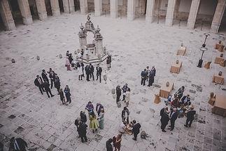 Fotografía y urna con las reliquias de D. Vicente Toledano y los mártires de Uclés