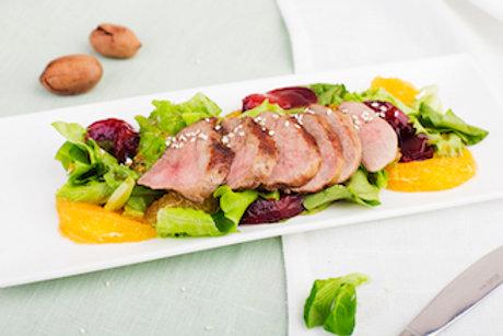 Салат из утиной грудки (180гр.)