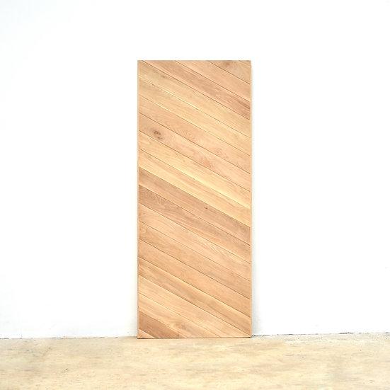 Oblique Oak Door (ประตูไม้โอ๊ค ลายเฉียง)