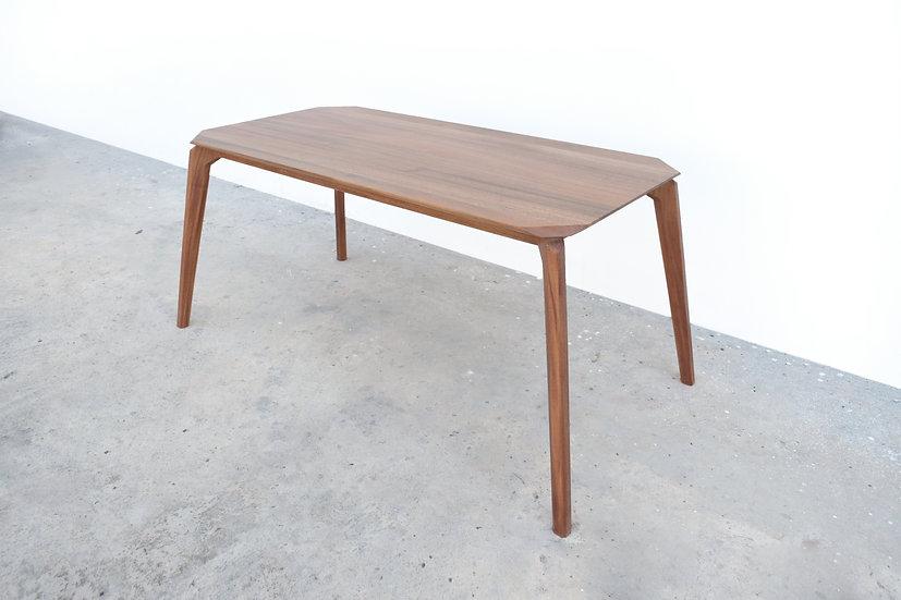 Aiden Table
