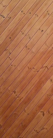 Thermowood Door Oblique (ลายปีกนก เรียงเฉียง)