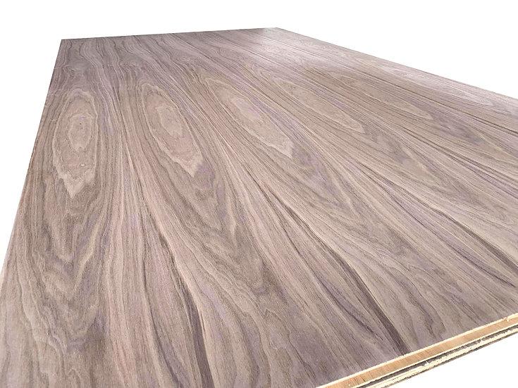 ไม้อัด วอลนัท 3.2mm x1.22x2.44m (US Prime Walnut Plywood)