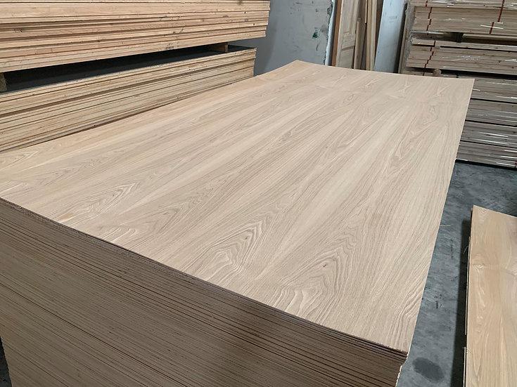 ไม้อัด บราวน์แอช 3.2mm 1.22x2.44m (Brown Ash Plywood)
