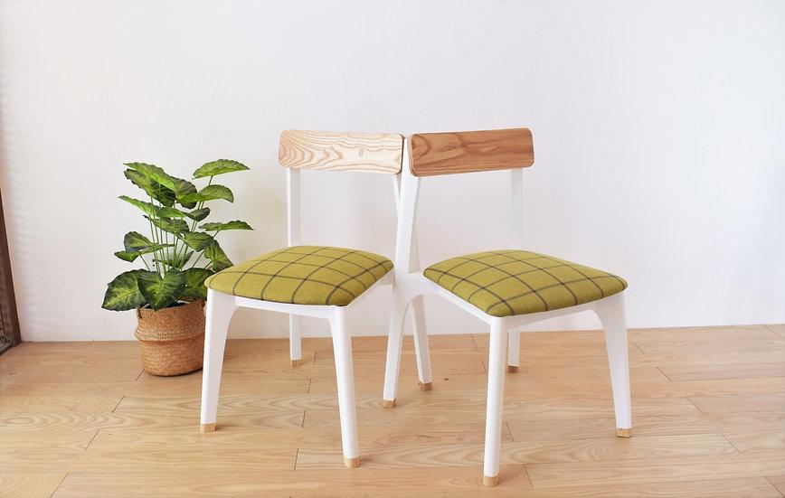 JUNO Cushion Chair [Black/White]
