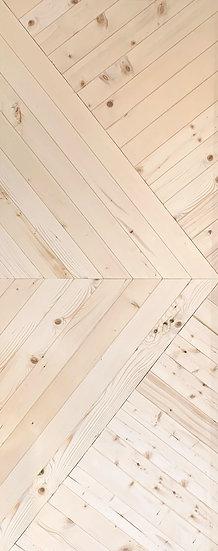 Finland pine Door Oblique V pattern2 K03 (ประตูไม้สน ลายเฉียงวี2)