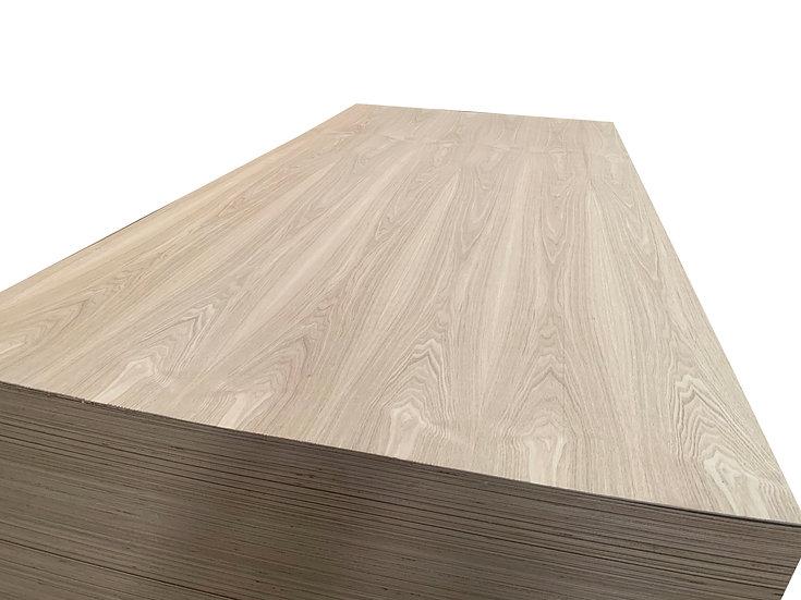 ไม้อัด แอช 3.2mm x1.22x2.44m (Ash Plywood)