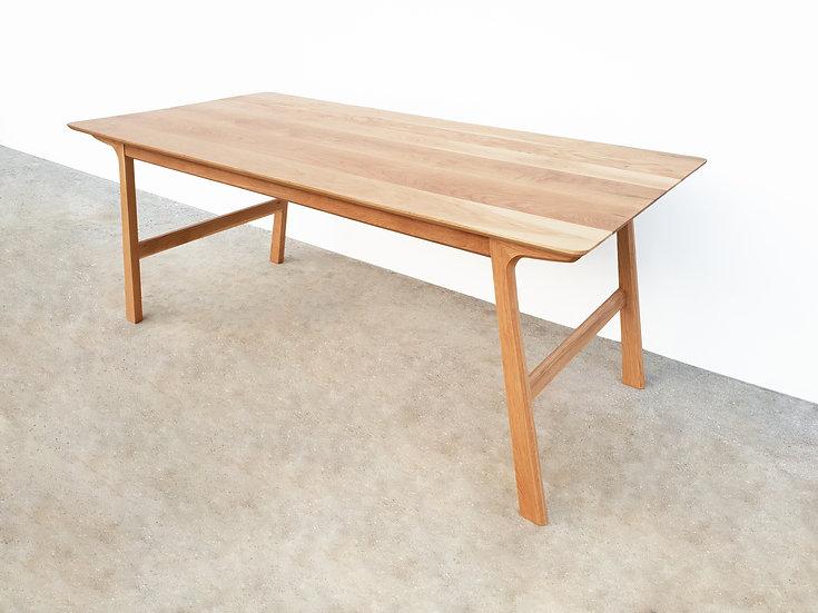 L-Slim Table