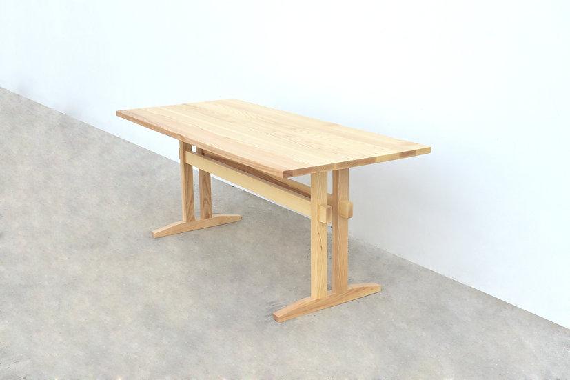Double I Leg Table