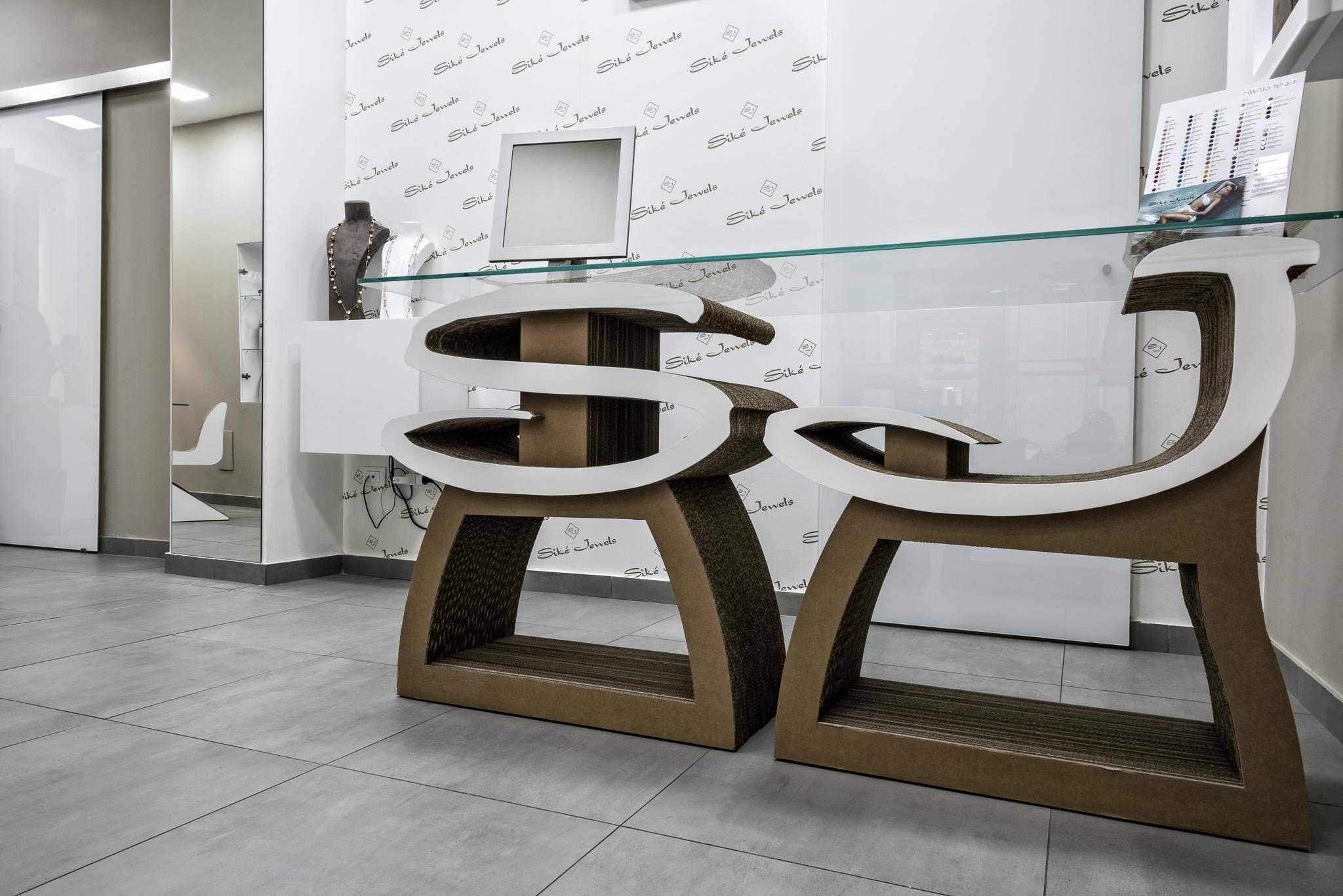 Siké Table