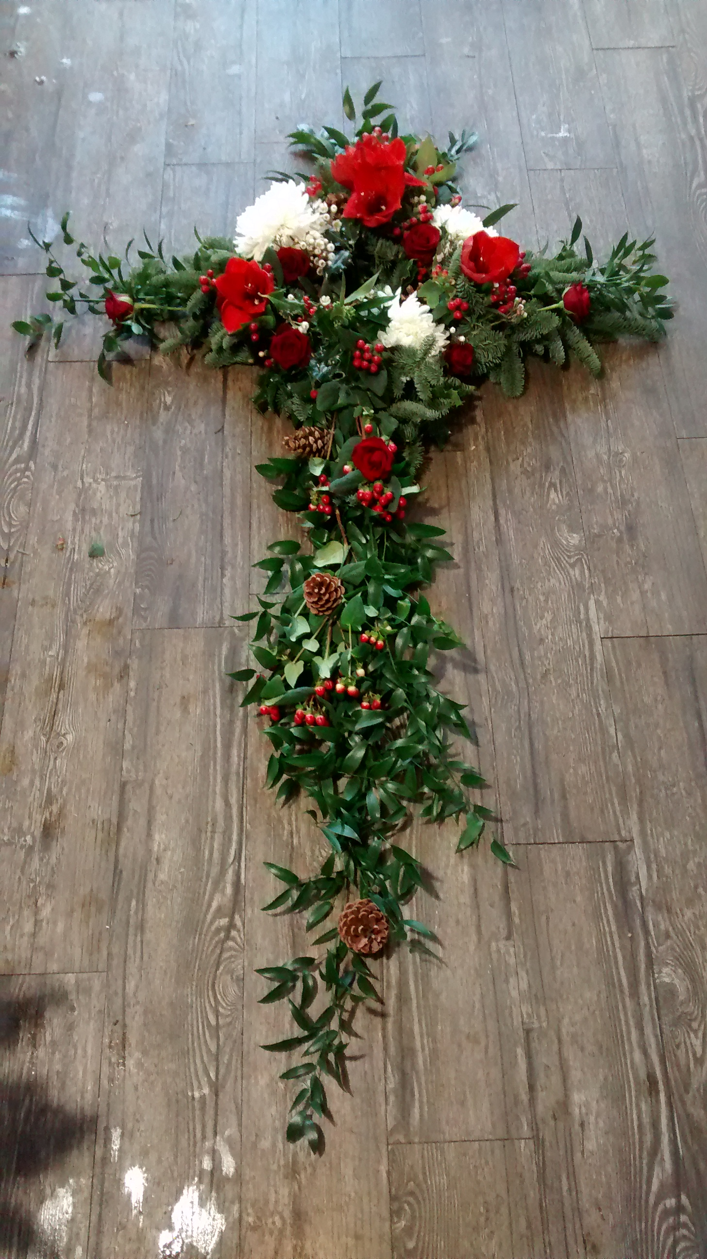 Winter Wreath Cross