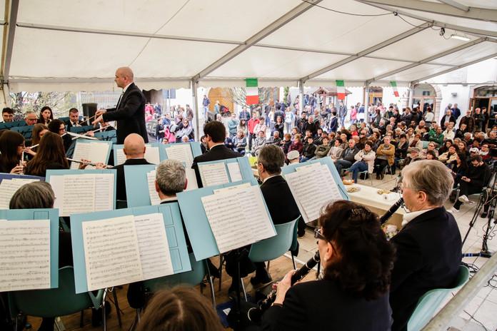 Il Corpo Bandistico S. Cecilia di Sarezzo (BS) durante il concerto in Piazza Madonna durante la scorsa edizione