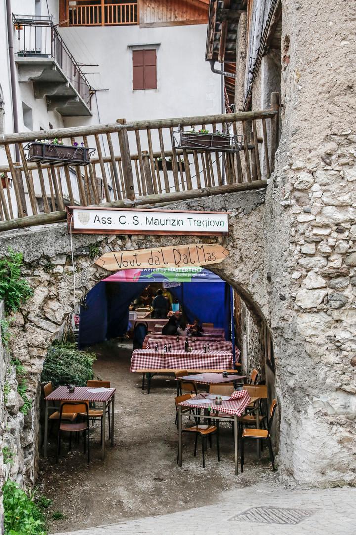 Entrata del Vòut gestito dall'Associazione San Maurizio di Tregiovo