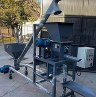 Envasadora de Saco Valvulado con Alimentador Helicoidal para manejo de mineral en polvo