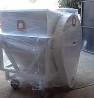 Contenedores mezcladores con tranportador helicoidal