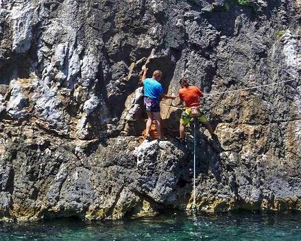 fred-claude-kardama-climbing-kalymnos.jp
