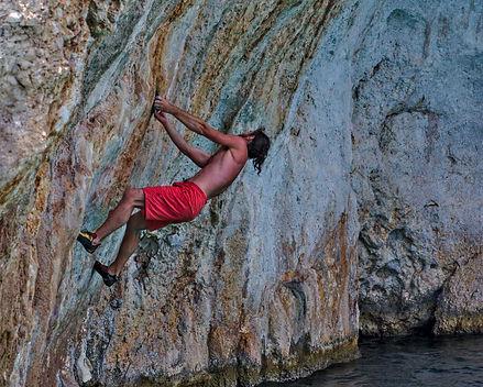 fred-deepwatersolo-kalymnos-climbing.jpg