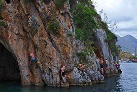 deepwatersolo-scotishteam-kalymnos-climb