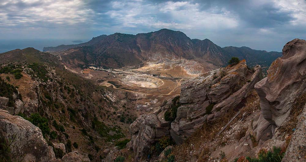 Nysiros, Nikla, volcano