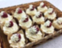 strawberry italian cream cupcakes