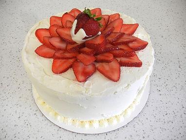 Strawberry%20Italian%20Cream%20Cake_edit