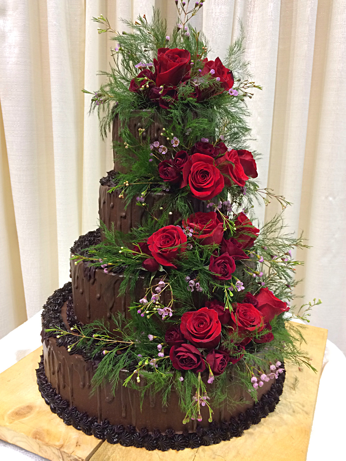 A chocolate Winter wedding