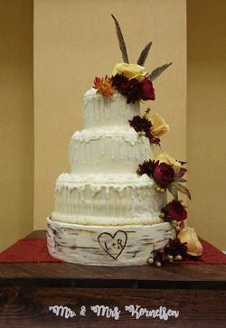 L & R wedding cake spectacular