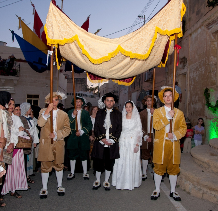 Мифы и легенды Мальты: Рыцари выдавали замуж девушек за счет казны