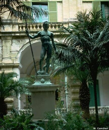 Нептун во дворце Президента в Валлетте