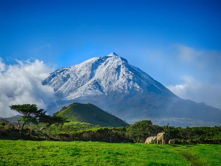Subida à Montanha do Pico com Neve