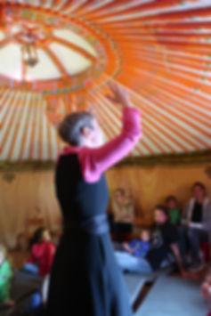 Going Wild-Tage Zoo Zürich mit Geschichten von Sibylle Baumann in der mongolischen Jurte