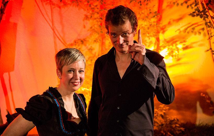 Stimmkünstler Christian Zehnder und Erzählerin Sibylle Baumann in «Die urbane Geschichtenoase»