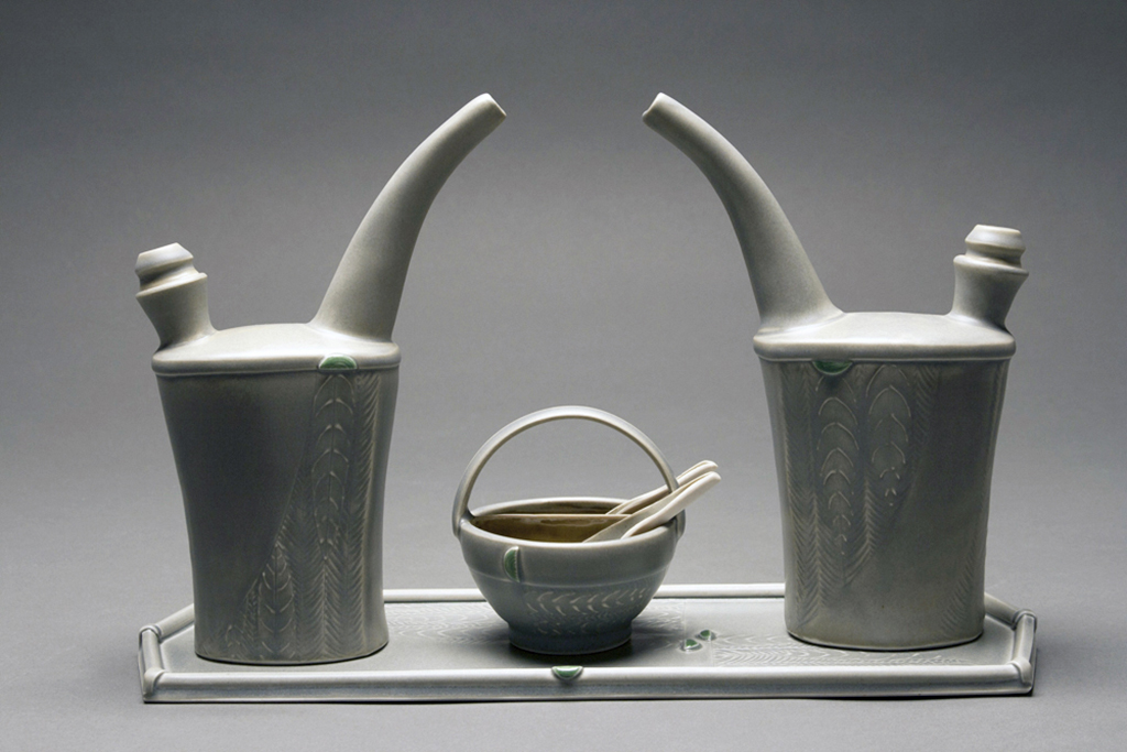 Ewer Set with Salt 'n Pepper Basket