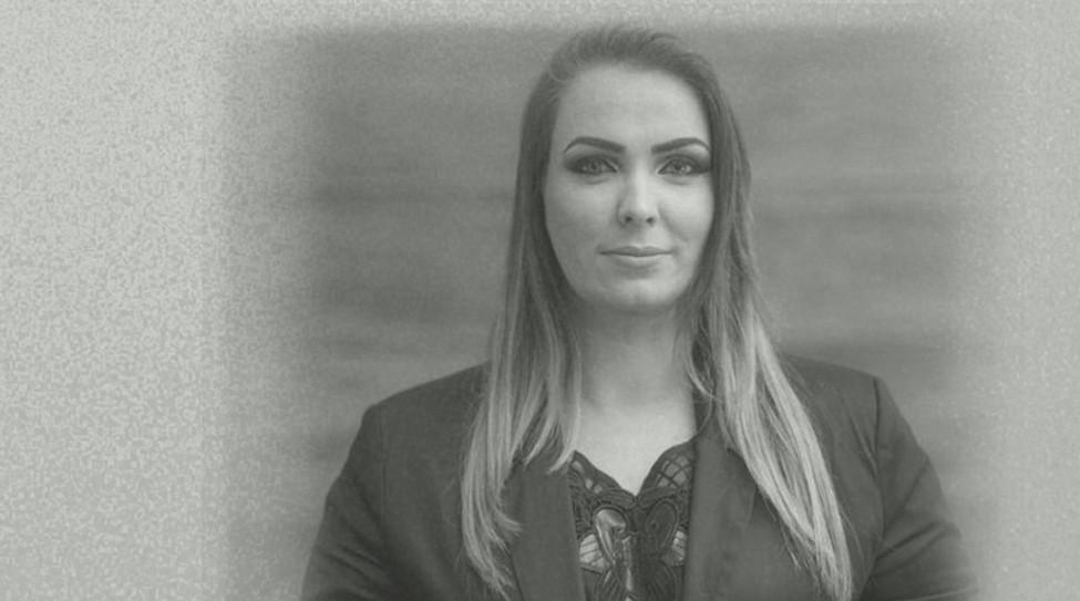 Janaína Volpiani - Assessora