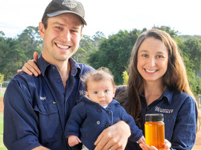 MIKEY AND ALLEXA ARE PASSIONATE ABOUT SHOWCASING THE INCREDIBLE MONOFLORAL HONEYS OF WA