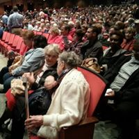 HLAA, Virginia Beach Chapter enjoy open captioned show!