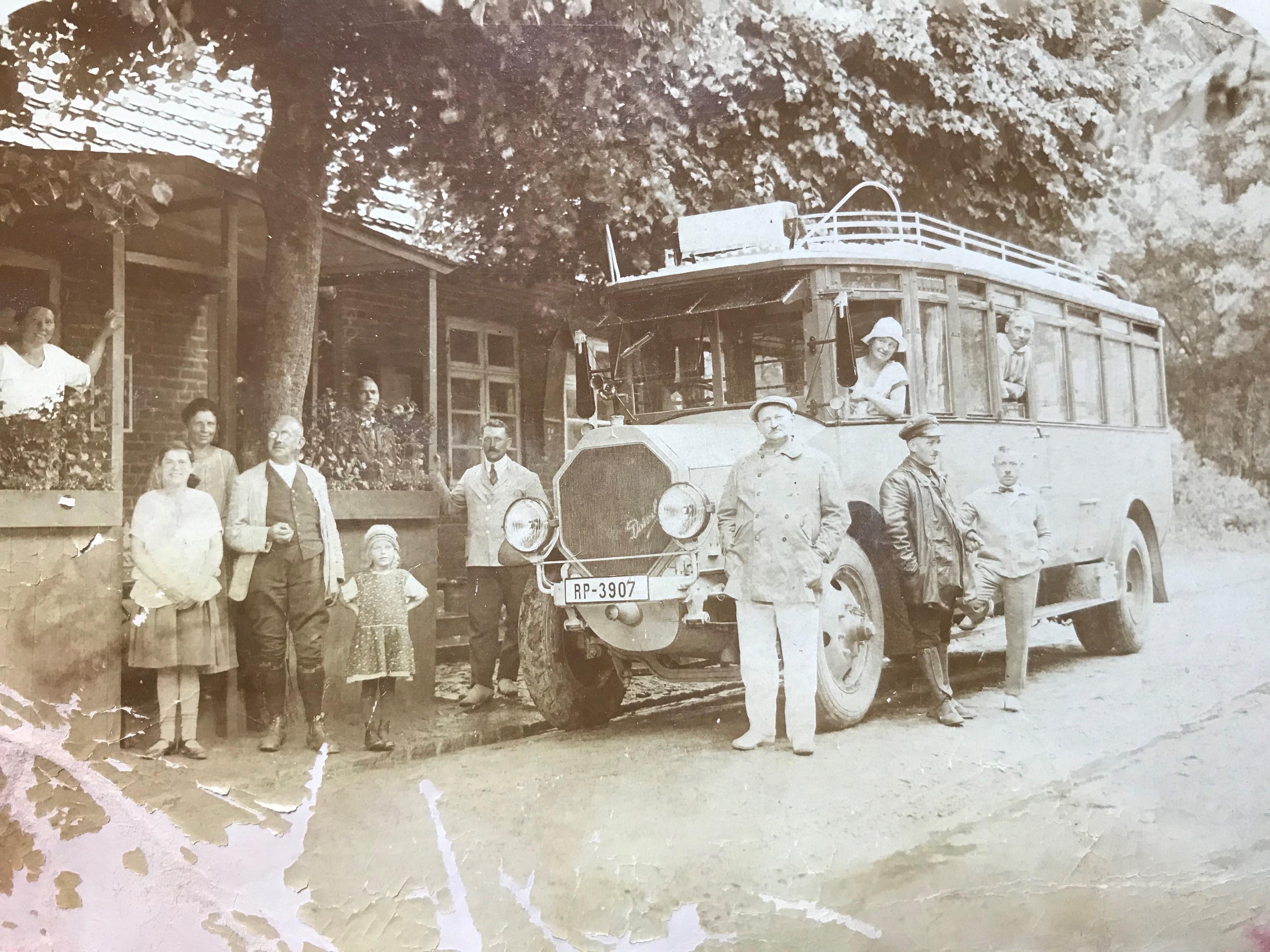 Bus mit Feriengästen