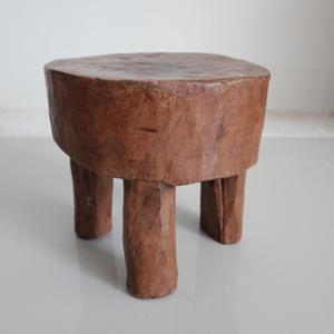 A primitive 3-legged stool