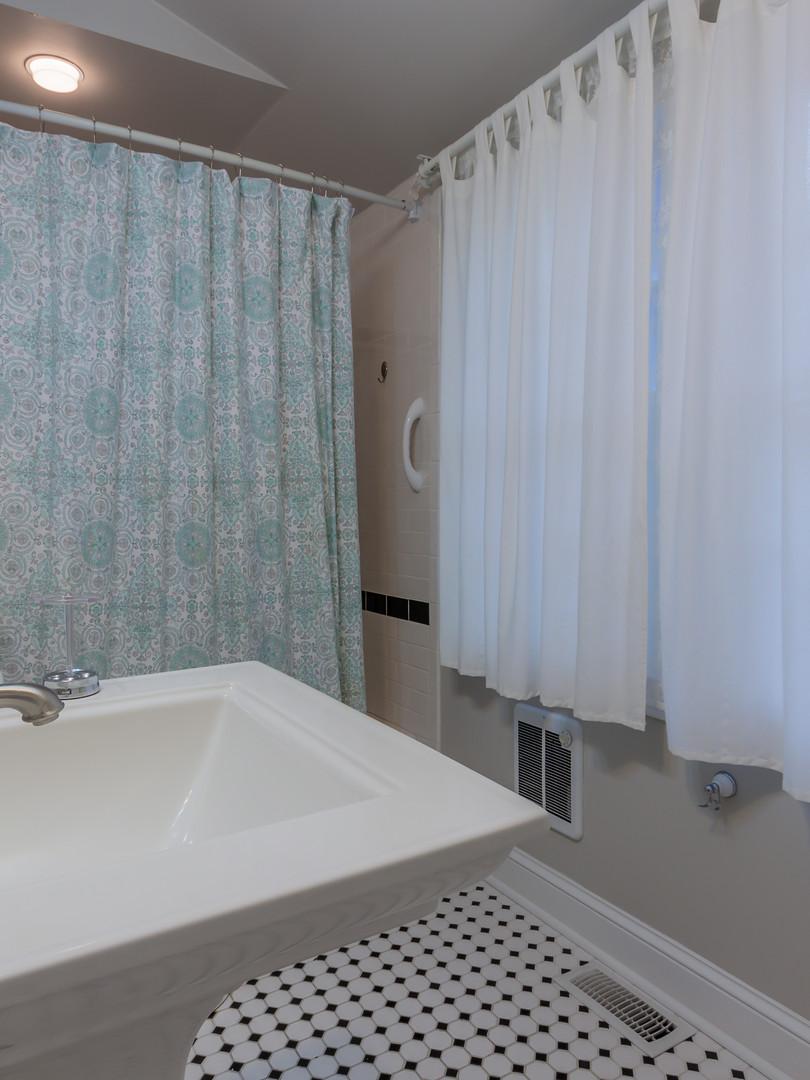 Family Room Bath