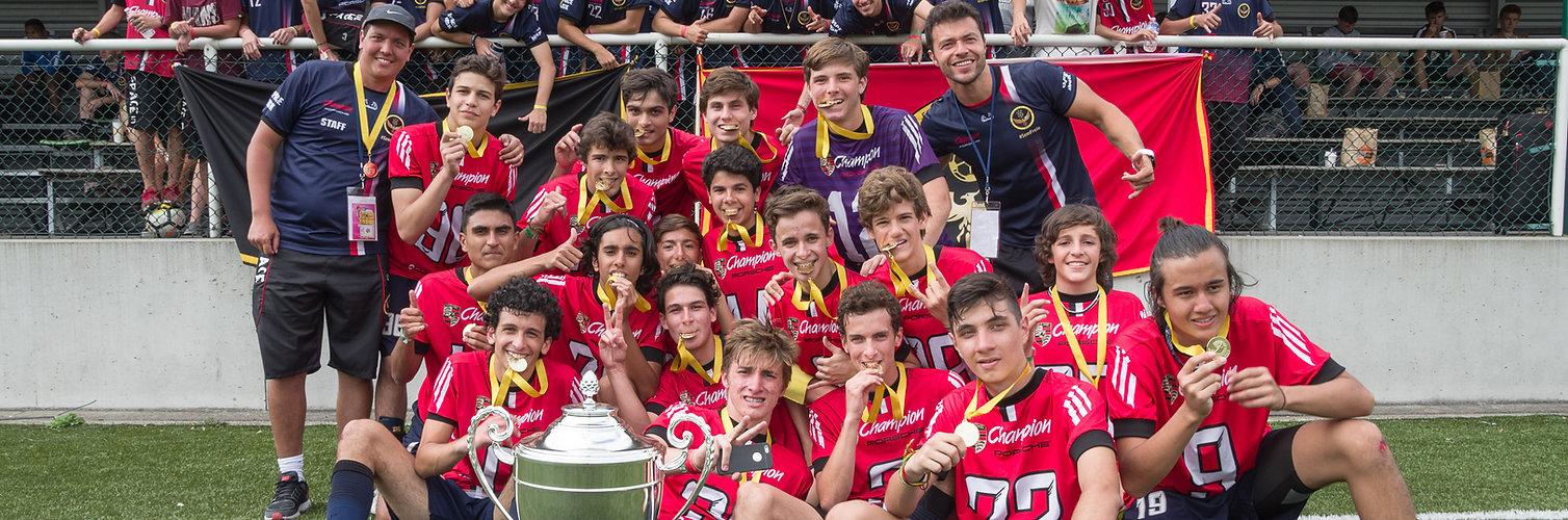 Torneo internacional de fútbol en París, Francia, Europa – Partidos de fútbol competitivos contra equipos de juveniles de clubes profesionales