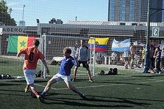 Actividades de fútbol en Buenos Aires, Argentina, Sudamérica – Partido amistoso, entrenamiento, torneo de fútbol 5