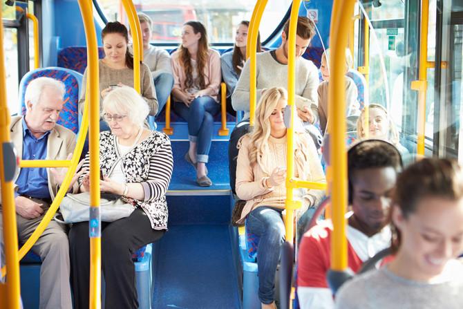 7 características de caráter andando de ônibus